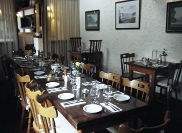 Olde Castle Bar and Red Hugh's Restaurant in Donegal